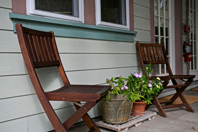 anchor inn bnb outside wooden chairs